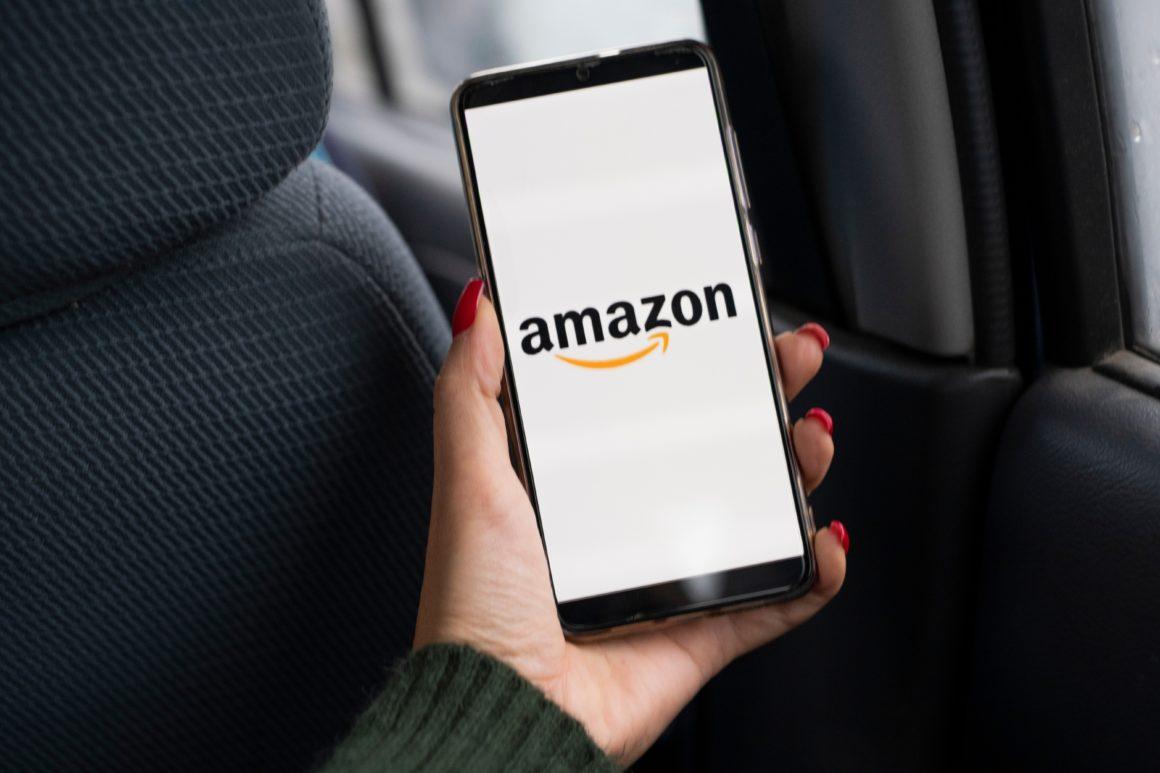 Smart phone screen showing opening of Amazon app