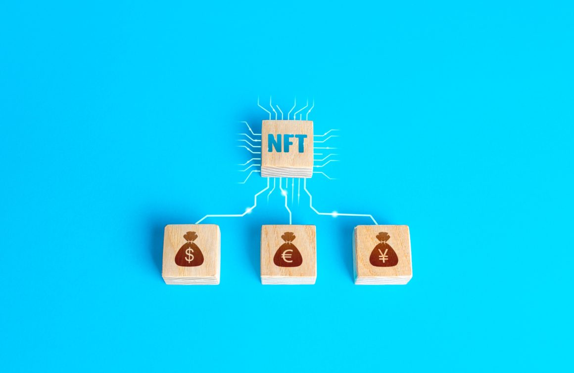 wood-blocks-nft-non-fungible-token-and-money-connected