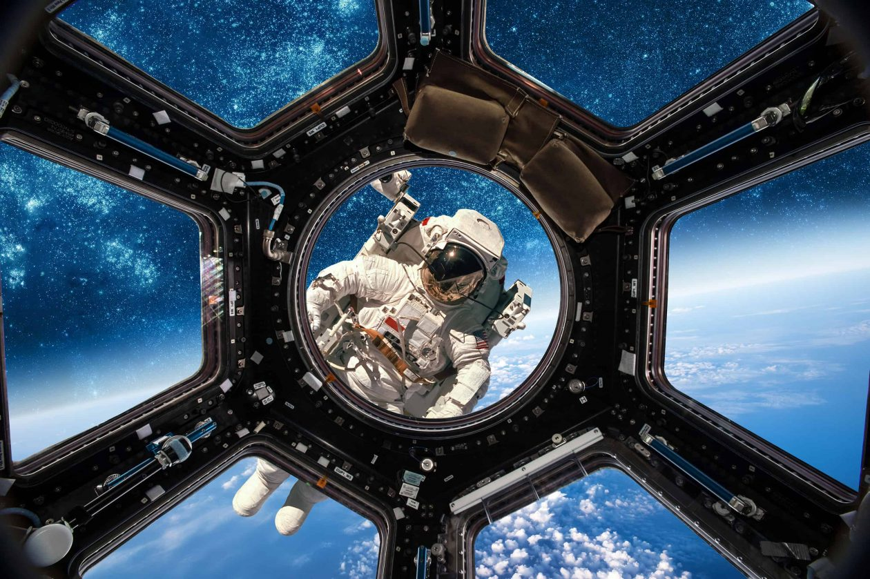 astronaut in outer space PLEE4QR