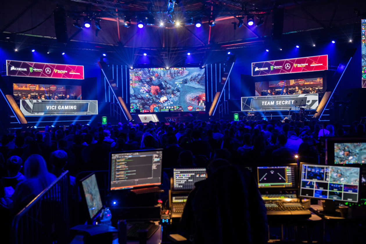 LEIPZIG, GERMANY - JANUARY 25: Visitors watch a game of an e-sport tournament `Dota 2` during the digital festival DreamHack Leipzig on January 25, 2020 in Leipzig, Germany. DreamHack combines a variety of digital entertainment, including e-sport tournaments, LAN parties, Pokemon competitions and virtual reality presentations, as well as a cosplay contest. (Photo by Jens Schlueter/Getty Images)