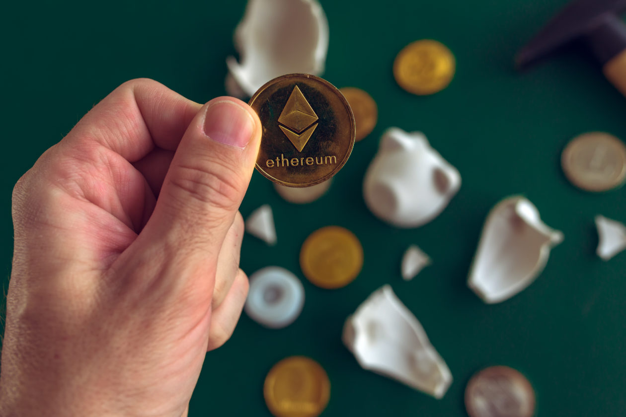 hand-taking Ethereum coin, the ethereum killers are rising